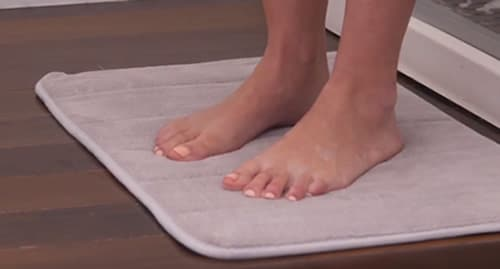 cleaning memory foam bathmat